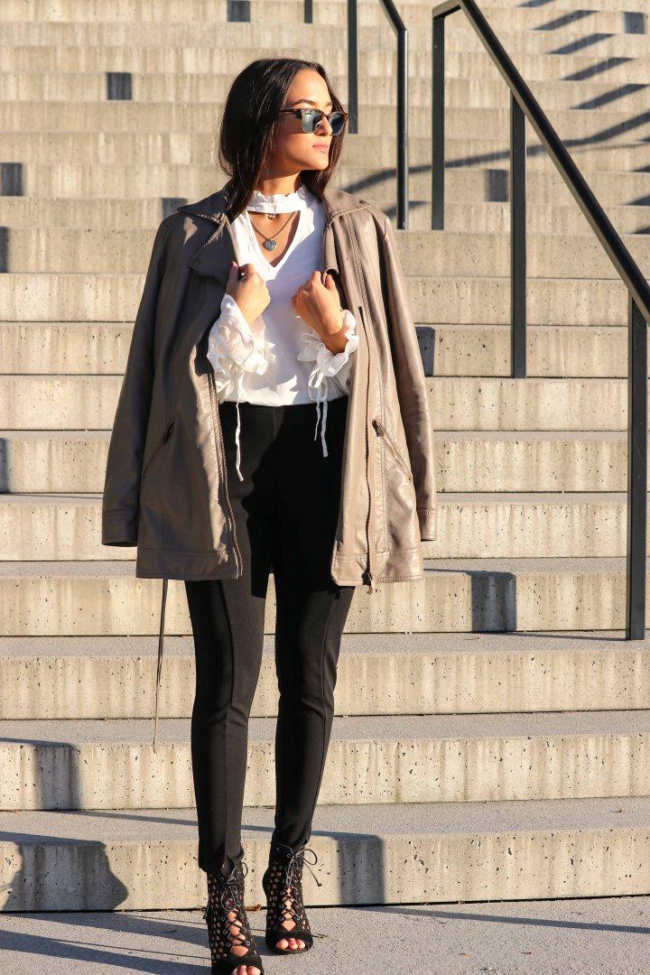 Mein Business Outfit: Zigarettenhose + Bluse mit Häkelverzierung!