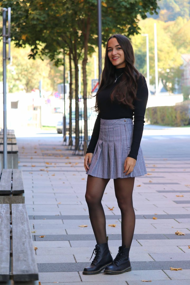 Outfit-mit-karomuster