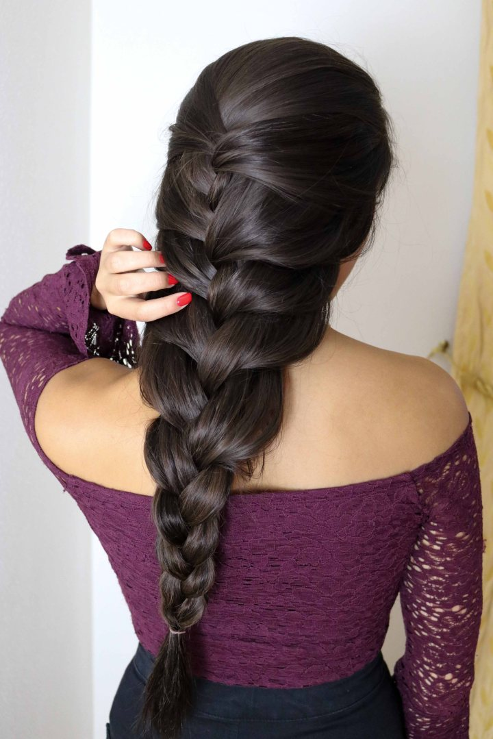 5 Quick and Easy Hairstyles with Extensions!