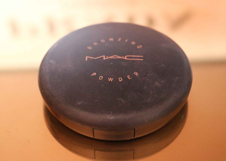 bronzingpowder